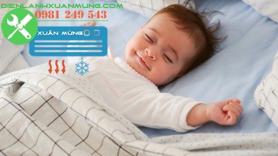 cách dùng điều hòa cho trẻ sơ sinh